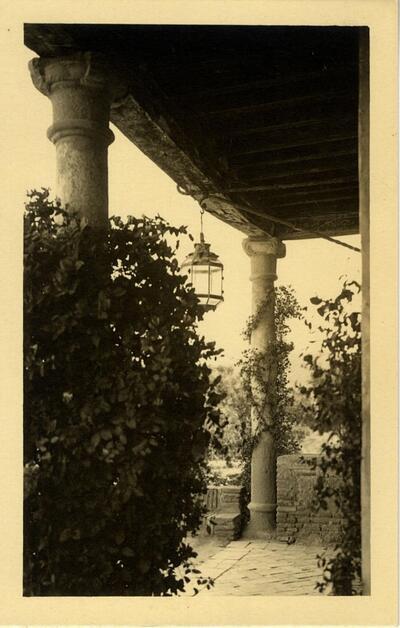 Toledo - Porche de la Casa del Greco.-.