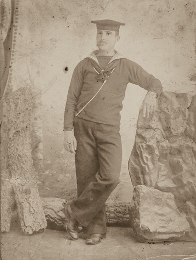 Portrait of a young man with the uniform of military service in the Navy | Ritratto di un giovane in abito di leva della Marina Militare