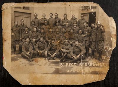 Group portrait of the Third Regiment Bersaglieri in Leghorn | Avanti Savoia