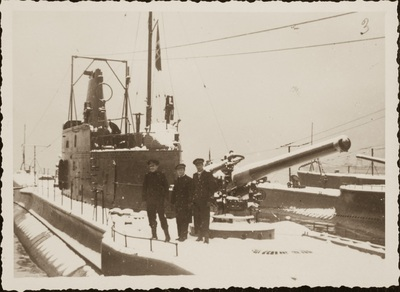 The submarine and the snow | Il sottomarino sotto la neve