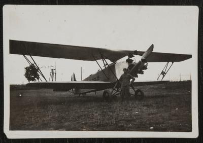 Aircraft at Pontedera (Pisa) airport | Velivolo presso aeroporto di Pontedera (Pisa)