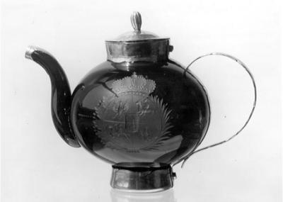 rubinierte Teekanne mit sächsisch-polnischem Wappen