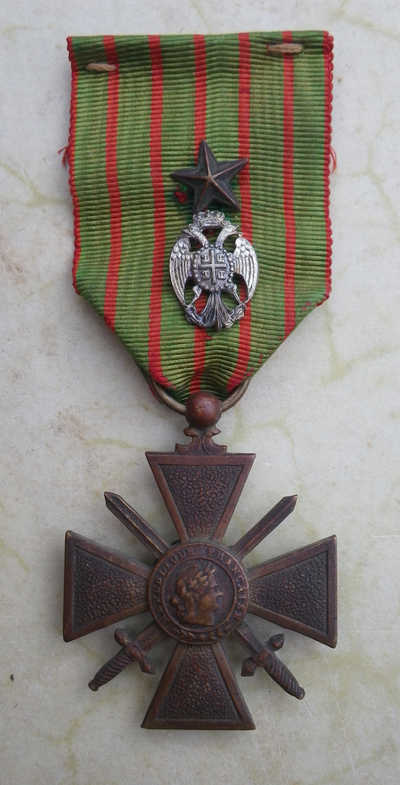 French Croix de Guerre with Serbian badge