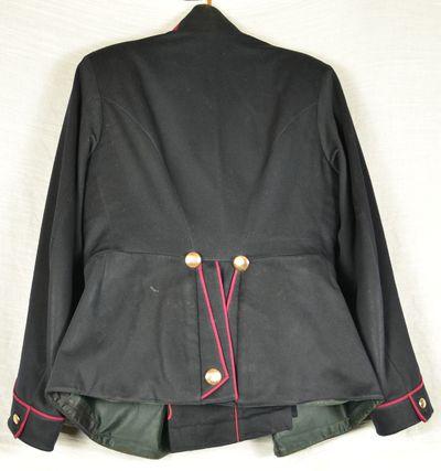 Uniformsjakke fra 1. Verdenskrig set bagfra