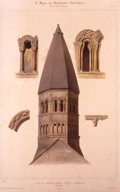 Tour avec détails de l'église Ste Foy à Schlestadt