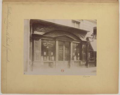 Boutique Empire : 14 Rue de Grammont : [photographie] / [Atget]