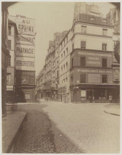 Coin rue des Lombards et St Denis : [photographie] / [Atget]