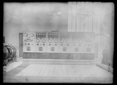 Tableau général de la station continentale [de T.S.F. de Sainte-Assise] : [photographie de presse] / [Agence Rol]