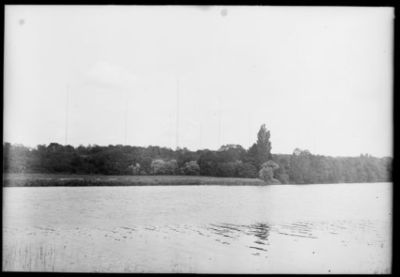 Vue générale [la Seine, près de la station de T.S.F. de Sainte-Assise] : [photographie de presse] / [Agence Rol]