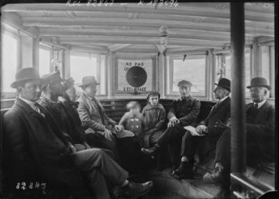 Concert T.S.F. sur 1 bateau parisien : [photographie de presse] / [Agence Rol]