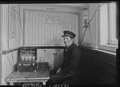 Concert T. S. F. sur bateau parisien : [photographie de presse] / [Agence Rol]