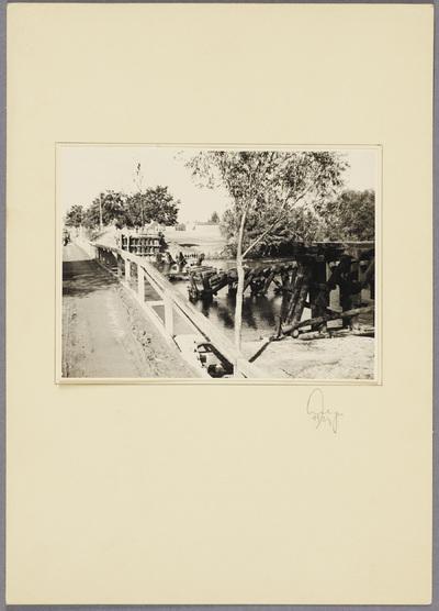 Zerstörte Holzbrücke über die Warthe
