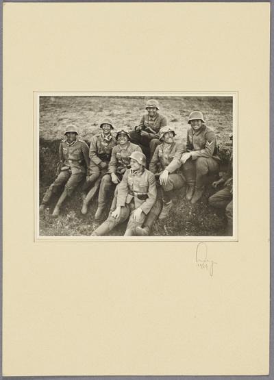 Gruppenfoto der Beobachtungs-Abteilung 13
