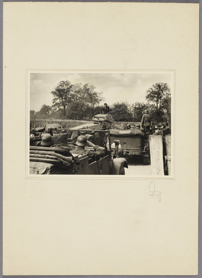 Beobachtungs-Abteilung 13 und Panzerspähwagen