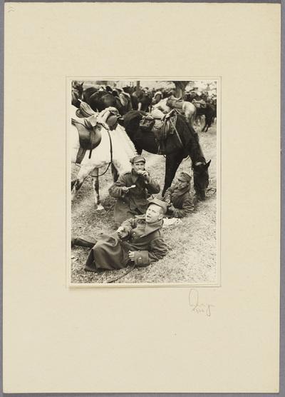 Gefangene polnische Kavalleristen bei Rast