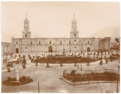 Kathedrale auf der Plaza de Armas in Arequipa