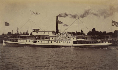 Columbia River: steamship for excursions