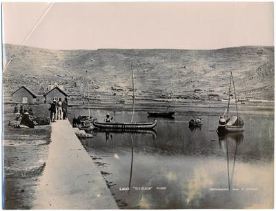 Hafen von Puno am Titicaca-See