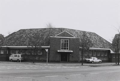 Aloysiusschool (architect: Christiaan J. van Liempd). In de nabijheid van de plek waar deze school voorheen stond is in de bestrating een attentiesteen aangebracht. (Zie           ook: http://www.historisch-schijndel.nl/de-tegels/23/aloysiusschool)