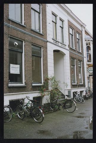 Opname van de Nieuwstraat in oostelijke richting