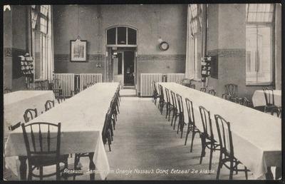 Oranje Nassau's Oord te Renkum. Interieurfoto van de eetzaal 2e klasse.