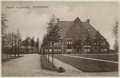 Hoofdgebouw uit 1927 van Stichting Vogelenzang, thans De Geestgronden.