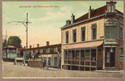 De Zuidzijde van de Rotterdamsedijk gezien vanaf de hoek van de Buitenhavenweg in Oostelijke richting. Rechts op de hoek was Cafe