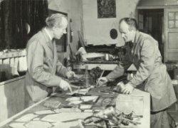 De gebroeders Henderickx aan het werk in hun atelier aan de Oude Sluis.
