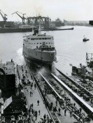 De tewaterlating van de veerboot 'Free Enterprise III' (Co. 538) op 14 mei 1966. De kiel was gelegd op 23 november 1965. De afbouw van het schip heeft nog geduurd tot 21           juli 1966 Op die datum werd het schip overgedragen aan haar eigenaar 'Townsend European Ferries' in Dover (UK).