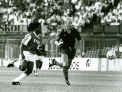 In een wedstrijd van SVV tegen Barcelona speelde ook Ronald Koeman mee.