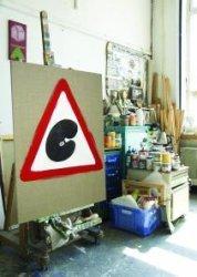 Het tweede weekend van september zetten 47 kunstenaars in Schiedam de deuren van hun ateliers open en is iedereen welkom een kijkje te nemen in hun domein. Voor sommige           kunstenaars is het atelier ook het woonhuis of de galerie, voor anderen is het puur en alleen een atelier waar gewerkt wordt. Open Ateliers is op zaterdag 10 en zondag 11 september           2005