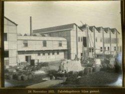 De nieuwe machinehal van glasfabriek de Schie is bijna klaar.