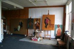 Kunstschilder Mathijs Gootjes in zijn atelier aan de Nieuwe Haven tijdens Open Ateliers 2007.