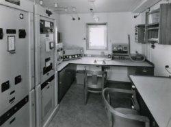 De radiohut op het vracht- en passagiersschip