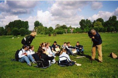 Op 13 en 14 mei 2003 heeft het jaarlijkse Project Schepping plaats voor de brugklassen van sg. Spieringshoek. Ten noorden van Schiedam wordt een grondboring uitgevoerd door           docent aardrijkskunde H.L.A. Janszen.
