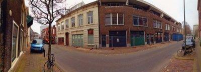 De Overschiesestraat vóór de sloop van de huizen in 2006 voor de aanleg van de tramlijn ('Tramplus').