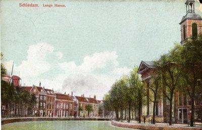 Lange Haven met rechts de Havenkerk.