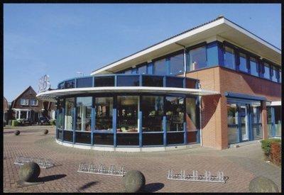 Wormer. Mercuriusweg. De Bieb van Wormer en Zaanstad-Wormerveer in gebouw De Parel.