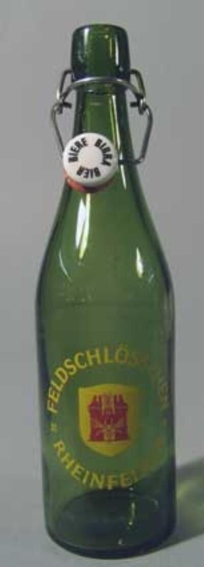 Bierflasche FELDSCHLÖSSCHEN