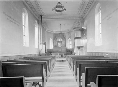 Fotografie | Rümlingen; Kirche, Innenraum gegen Chor