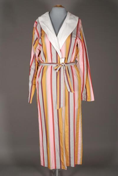Morgenmantel/Bademantel (Robe), mehrfarbiges Streifenmuster, knöchellang, langarm, Webstoff mit Frottierfütterung, Schalkragen, Bindegürtel, seitliche Taschen, für Damen