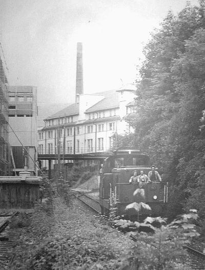 Oktober 1976: Letzte Fahrt von Pratteln in die Schweizerhalle