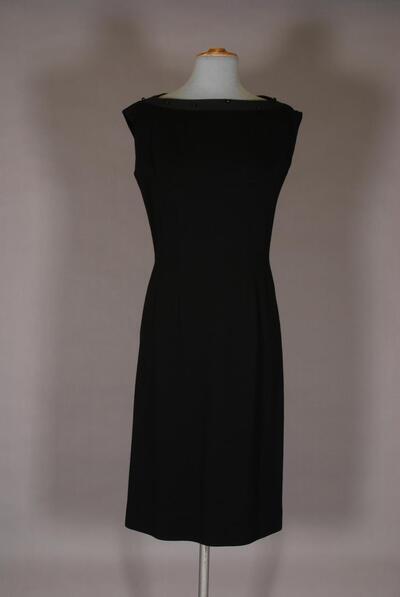 Schwarzes Kleid mit Ripsbesatz und Perlen, für Damen