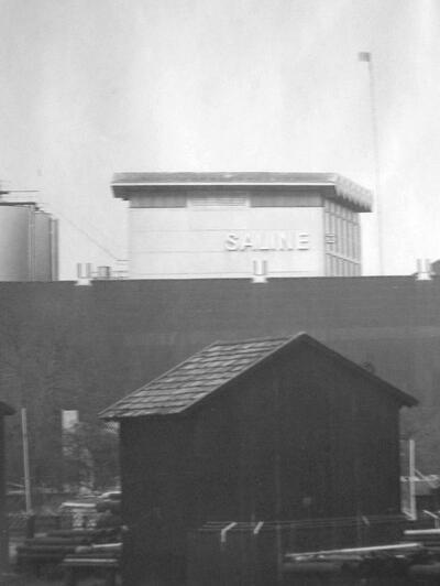 Um 1990: Alte und neue Salz-Industrie-Anlagen.