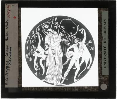 Oud-Grieks aardewerk. Brygos painter. Schaal Dionysius speelt op een lier, vergezeld door 2 saters