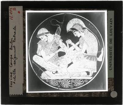 Oud-Grieks aardewerk. Sosias. Kylix Achilles verzorgt Patroklos