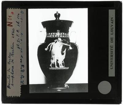 Oud-Grieks aardewerk. Berliner Maler. Amfora Voorzijde: Satyr en Hermes