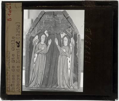 Anoniem. Schrijn van de H. Odilia Korte zijde met H. Odilia met twee Maagden onder mantel