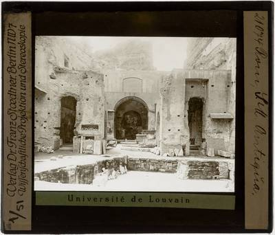 Roma. Chiesa di Santa Maria Antiqua Interieur: Zicht richting oosten