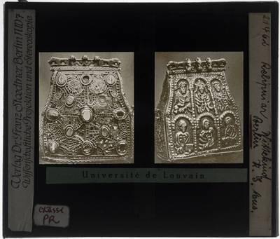 Reliquiarium in de vorm van een beurs Voorzijde en achterzijde